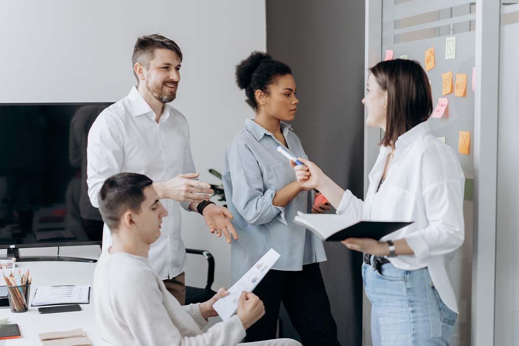 team brainstorming meeting